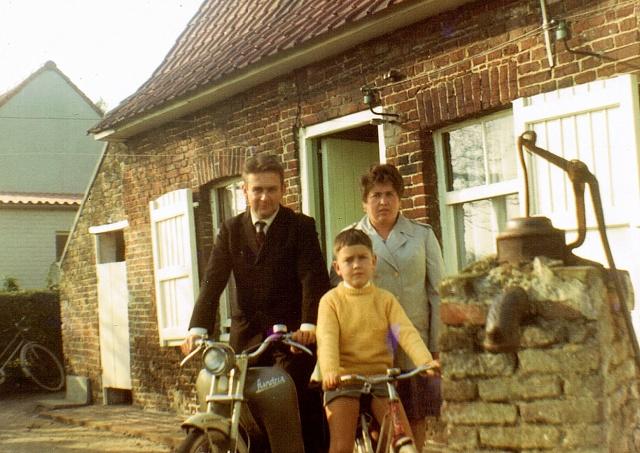 familie spruytte anno 1970.bmp