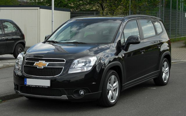 1200px-Chevrolet_Orlando_LTZ_1.8_–_Frontansicht,_16._April_2011,_Hilden